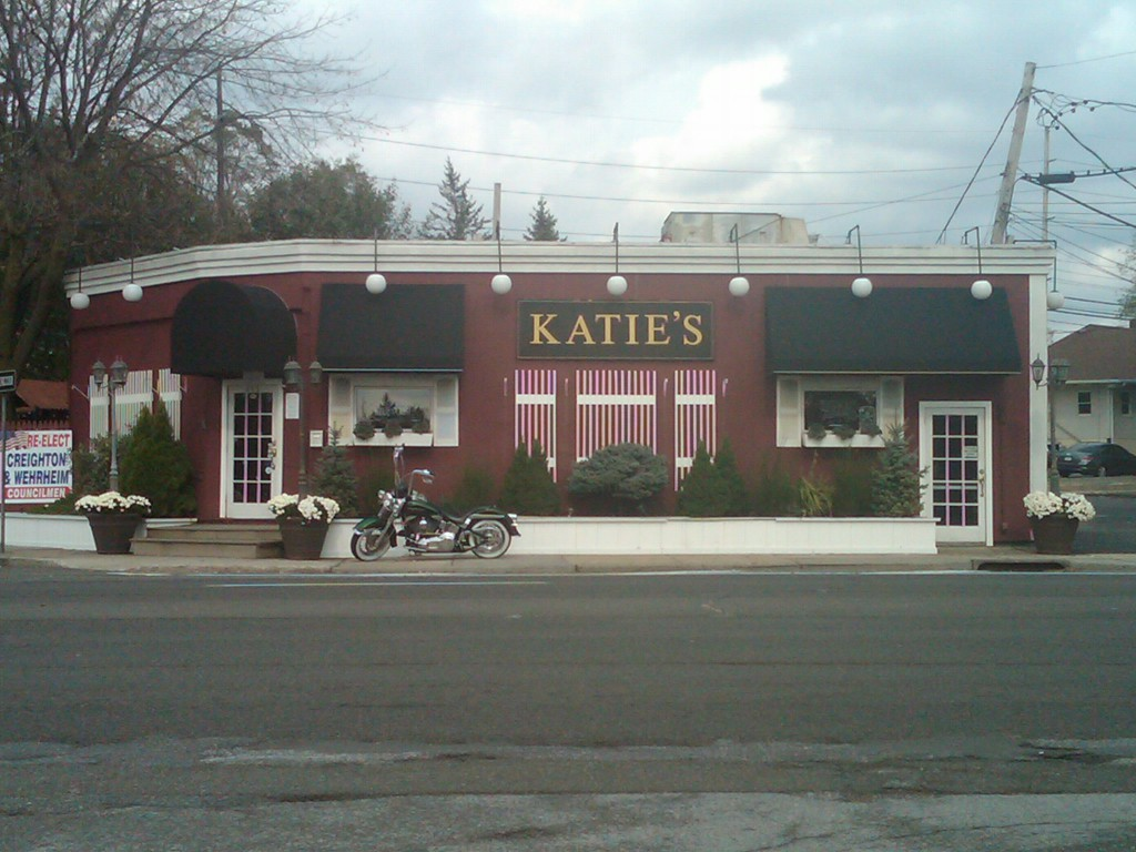 ANOTHER ROUND: Katie's Restaurant of Smithtown is said to be haunted by several spirits, perhaps the most popular Charlie, believed to be a bootlegger and bartender during the Prohibition era. (Jaclyn Gallucci / Long Island Press)